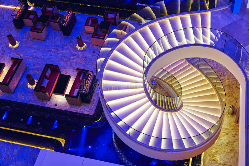 Escadas espirais modernas foto de stock royalty free