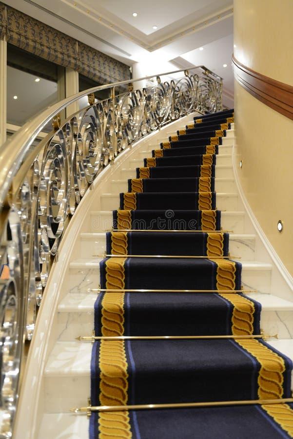 Escadas luxuosas fotos de stock