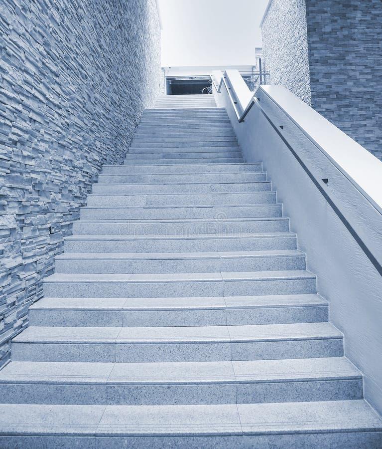 Escadas modernas fotos de stock