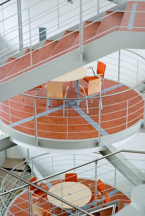 Escadas na construção dos bussines foto de stock royalty free