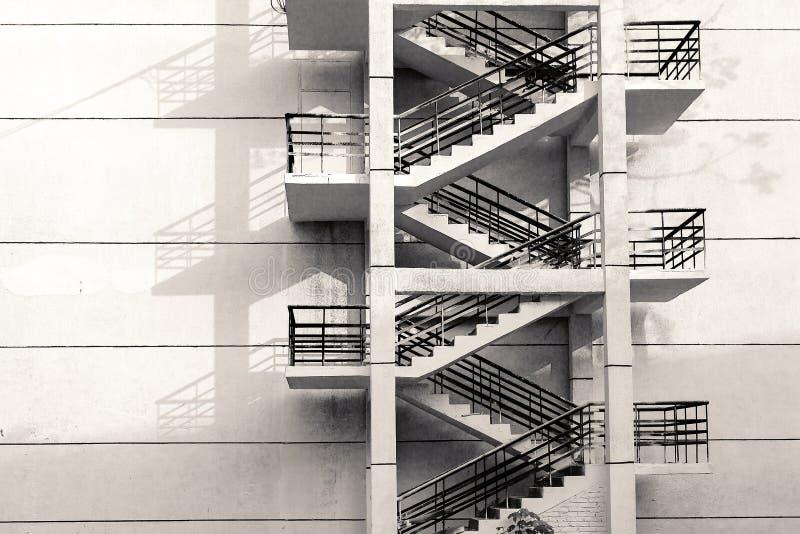 Escadas na parede foto de stock royalty free