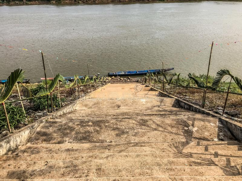Escadas o Mekong River imagens de stock royalty free
