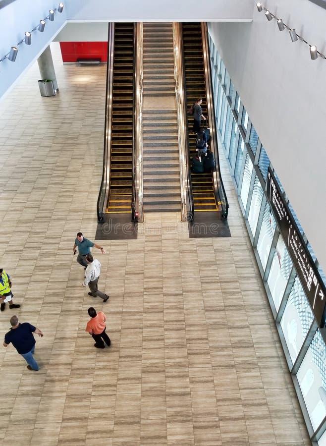 Escadas rolantes, aeroporto internacional de Tampa fotos de stock royalty free