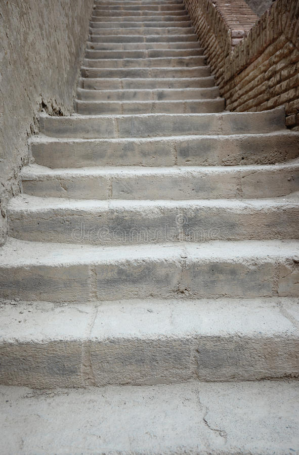 Escadas velhas imagem de stock