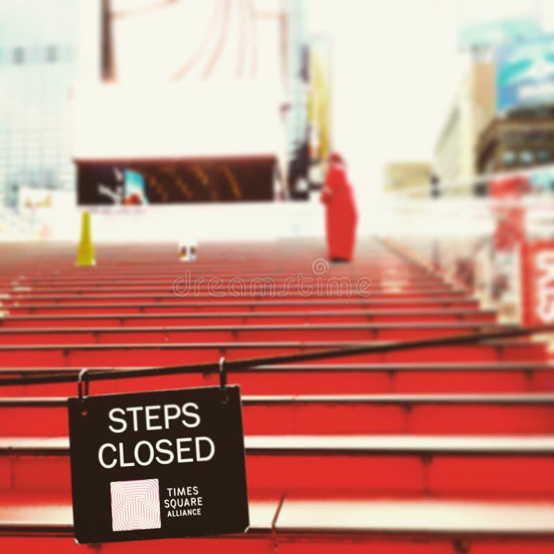 Escadas vermelhas nos Times Square imagem de stock royalty free