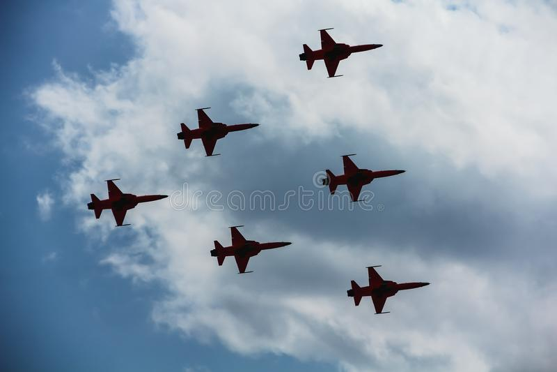 Escadron acrobatique aérien de suisse de Patrouille de l'Armée de l'Air suisse image stock