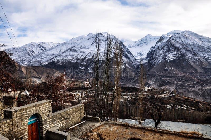 Escala de montanhas de Batura Muztagh fotografia de stock