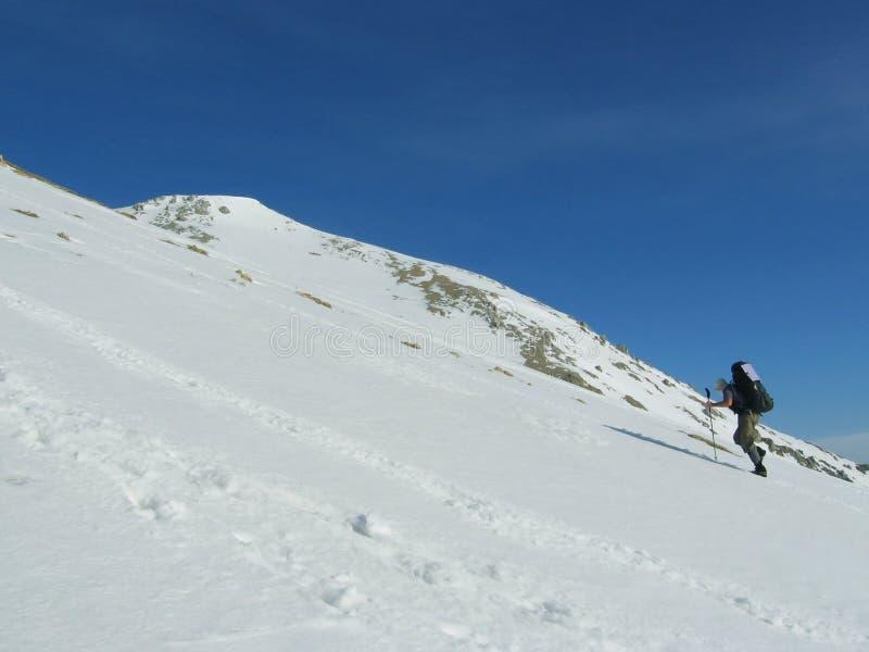 A escalada ao pico do inverno fotos de stock royalty free