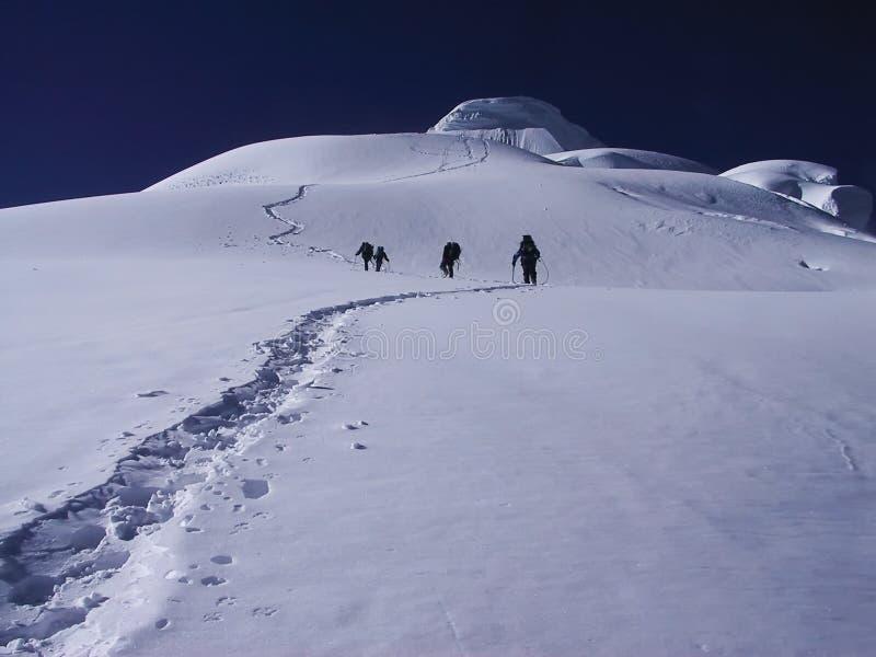 Escalader une montagne photos stock