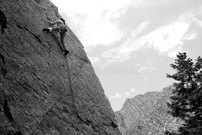 Escalador del deporte de la mujer imagenes de archivo