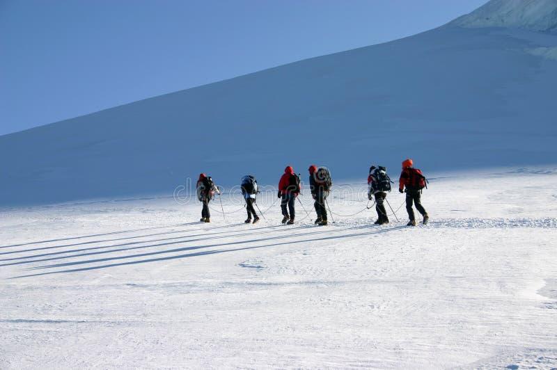 Escaladores de montaña fotografía de archivo