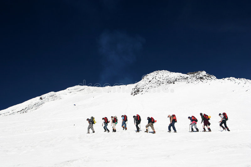 Escaladores de montaña imagen de archivo libre de regalías