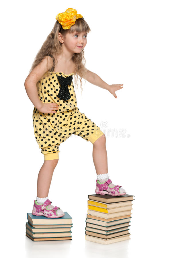 Escalando acima as escadas da educação fotografia de stock