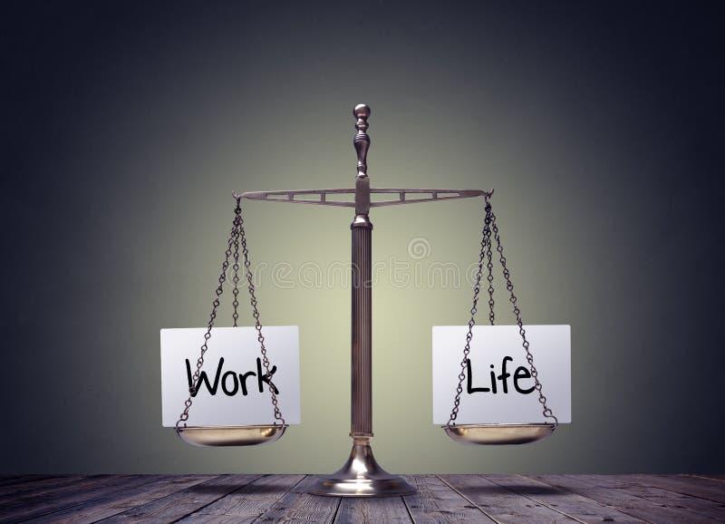 Escalas de la balanza de la vida del trabajo imagen de archivo libre de regalías