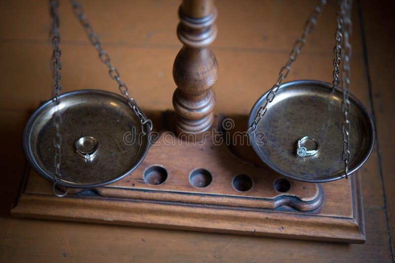 Escalas decorativas de la justicia imagen de archivo