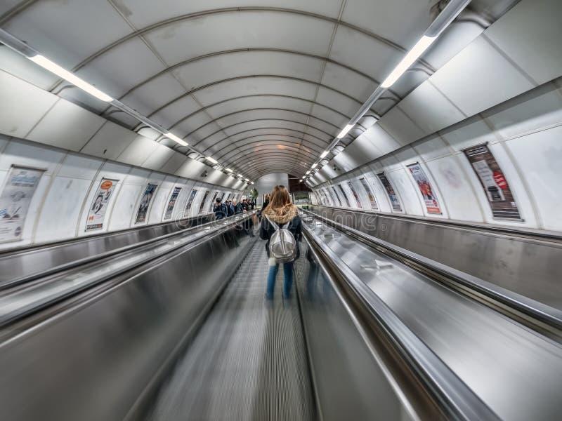 Escalator de souterrain de Prague images libres de droits