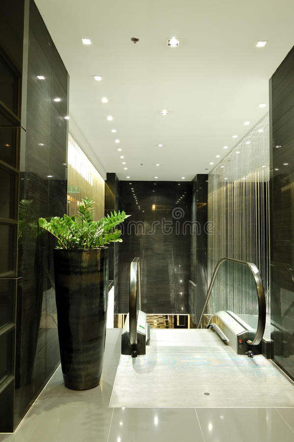 Download Escalator At Luxury Hotel Interior Stock Images - Image: 21463914