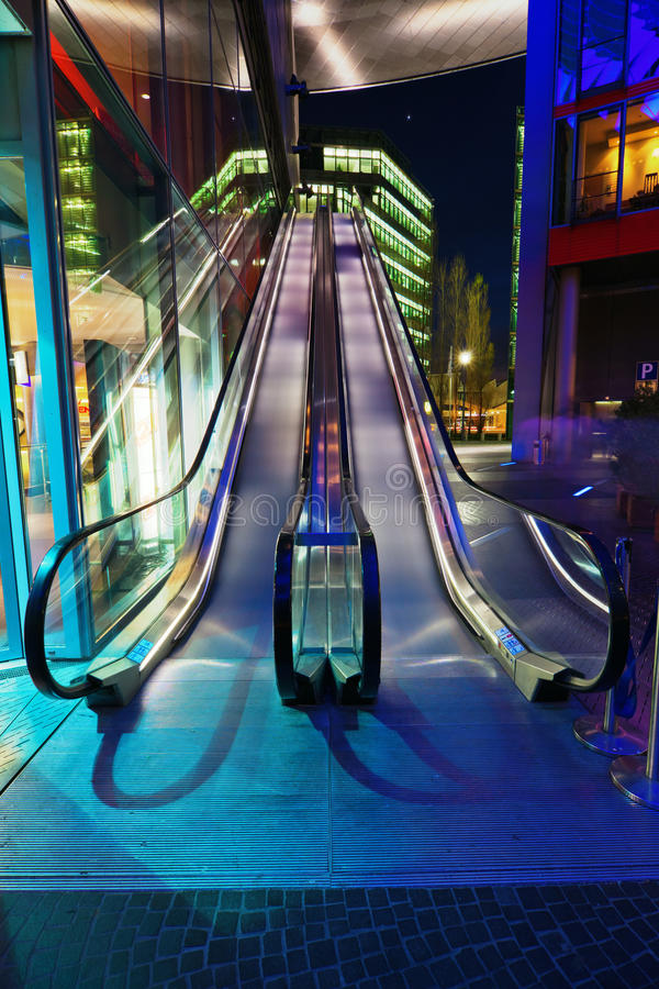 Download Escalator At Night Royalty Free Stock Photography - Image: 25190797