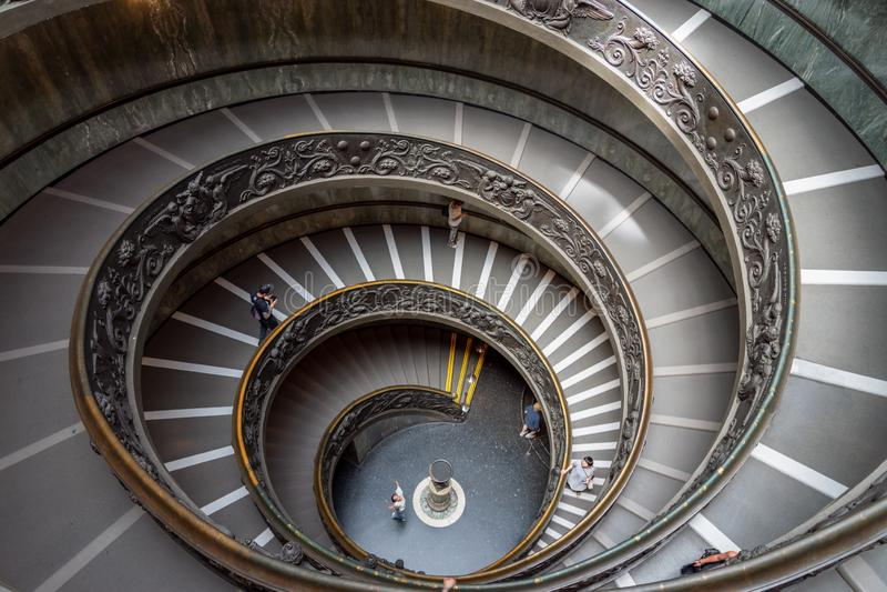 Escalera de Bramante en museos del Vaticano en la Ciudad del Vaticano fotos de archivo libres de regalías