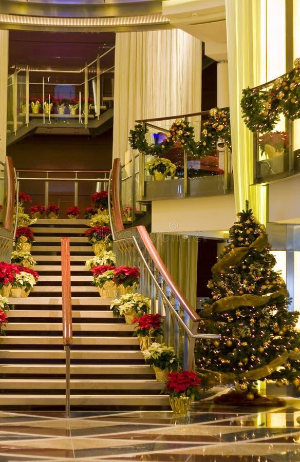 Escalera de las naves en la Navidad fotografía de archivo