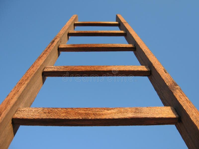 Escalera de madera imagen de archivo