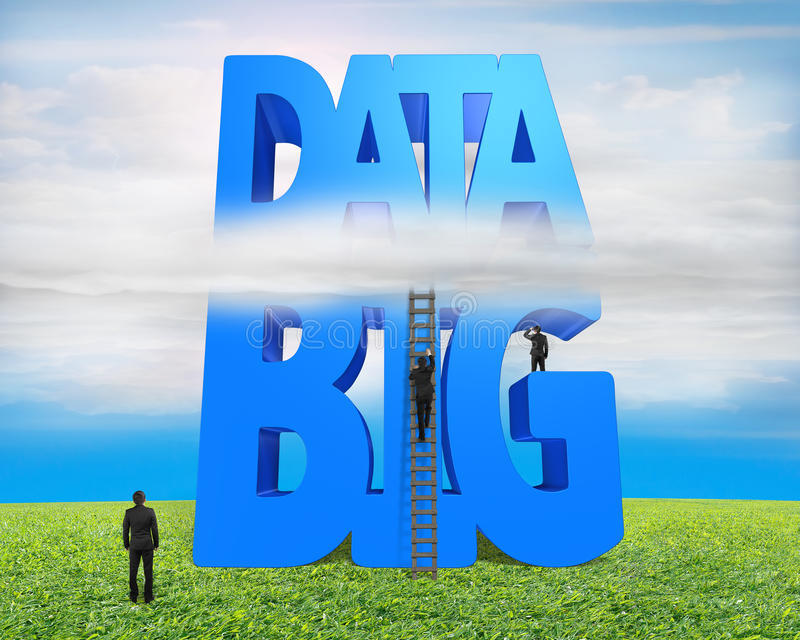 Escalera de madera de la palabra azul grande de los datos 3D con los hombres de negocios foto de archivo