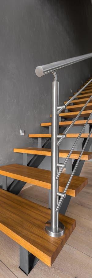 Escalera de madera moderna fotos de archivo libres de regalías
