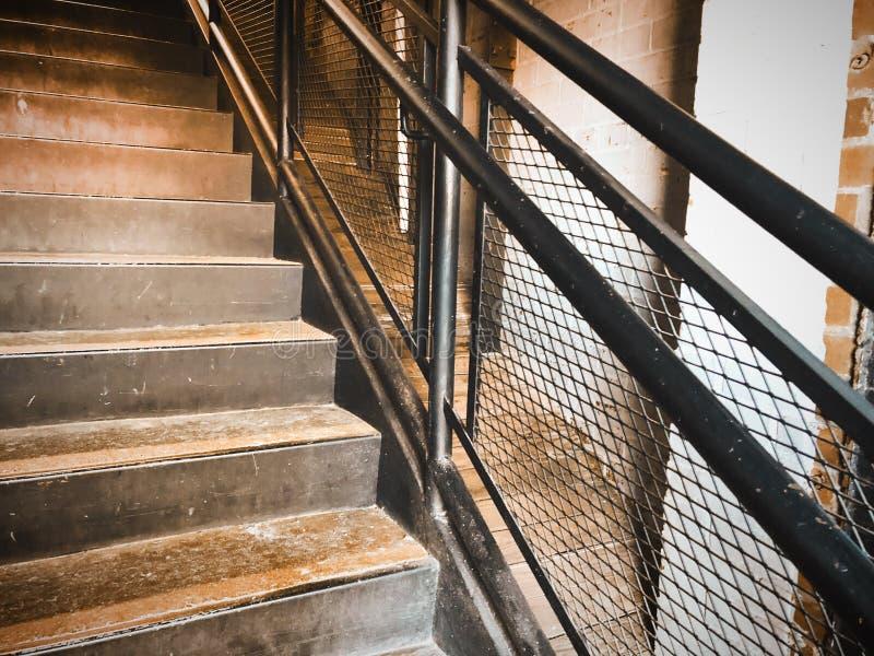 Escalera del vintage en molino viejo imagen de archivo
