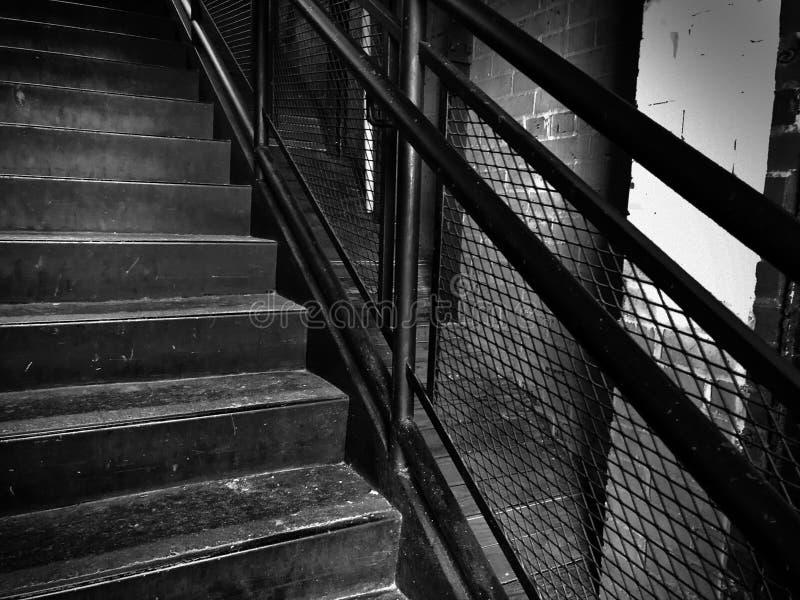 Escalera del vintage en molino viejo fotos de archivo
