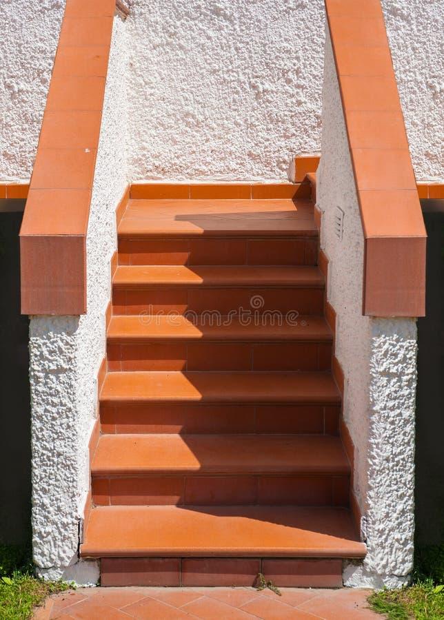 Escalera embaldosada imagen de archivo