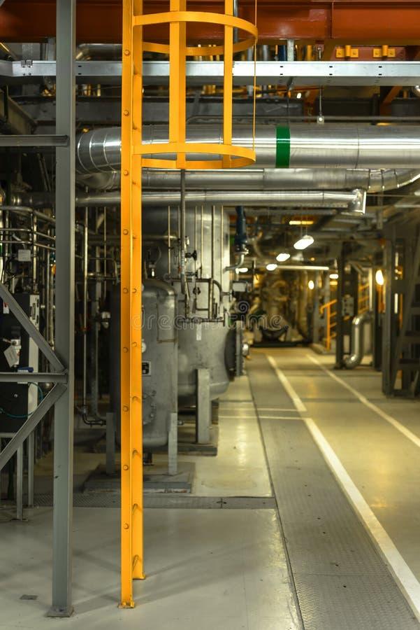 Escalera en interior industrial foto de archivo libre de regalías