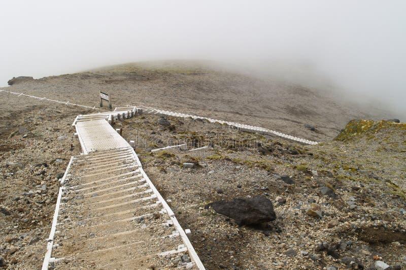 Escalera en la montaña fotos de archivo