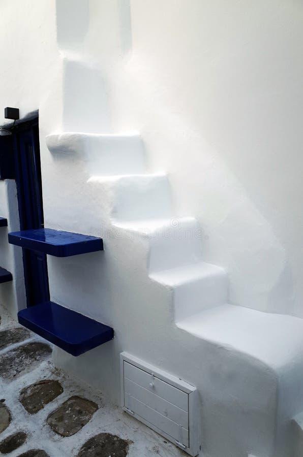 Escalera en Mykonos, Grecia imagen de archivo
