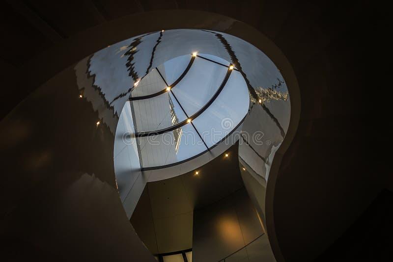 Escalera espiral en Xinjiekou foto de archivo libre de regalías
