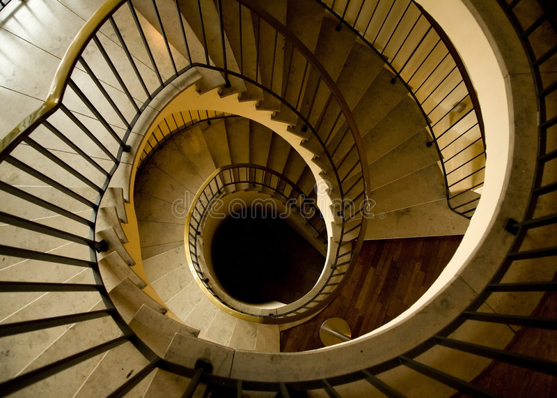 Escalera espiral lujosa fotos de archivo