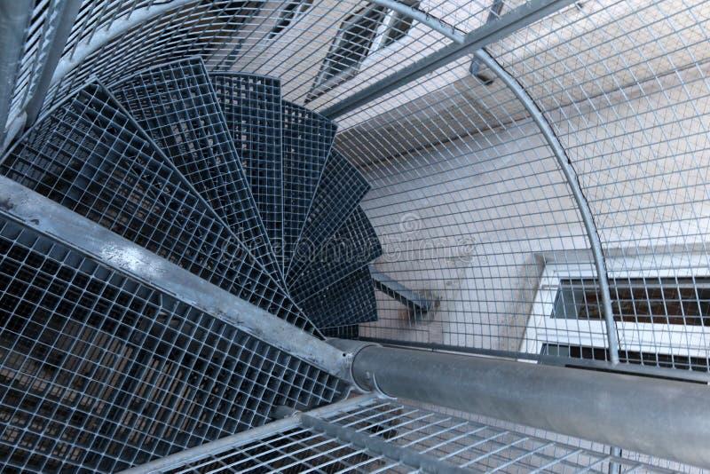 Escalera espiral torcida imagen de archivo
