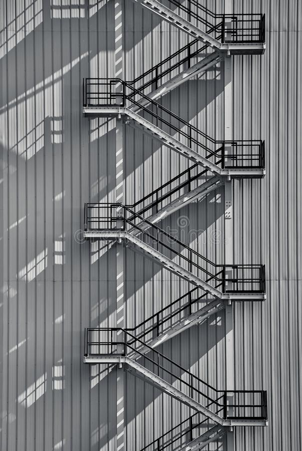 Escalera exterior industrial libre illustration