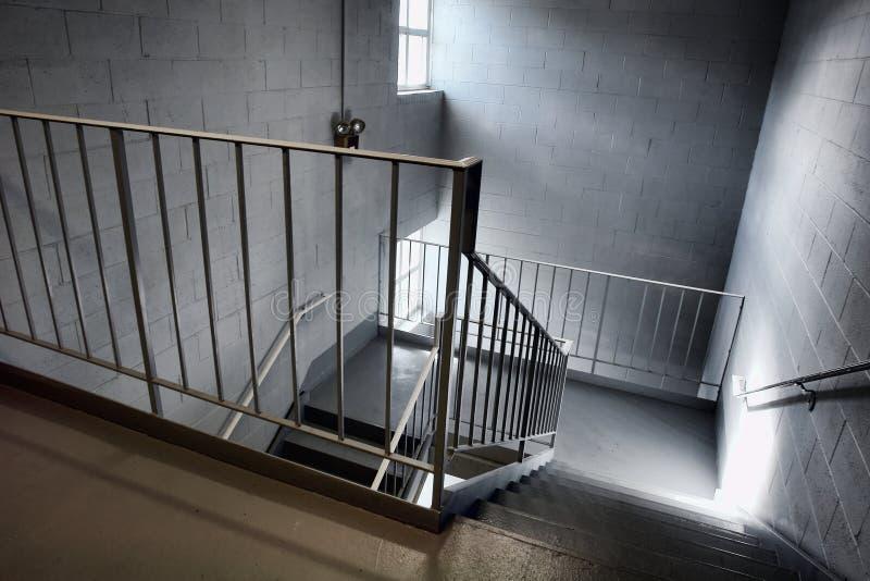 Escalera industrial de la salida de emergencia fotografía de archivo libre de regalías