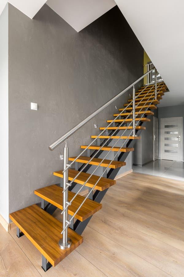 Escalera Interior Del Diseño En Casa Imagen de archivo - Imagen de ...