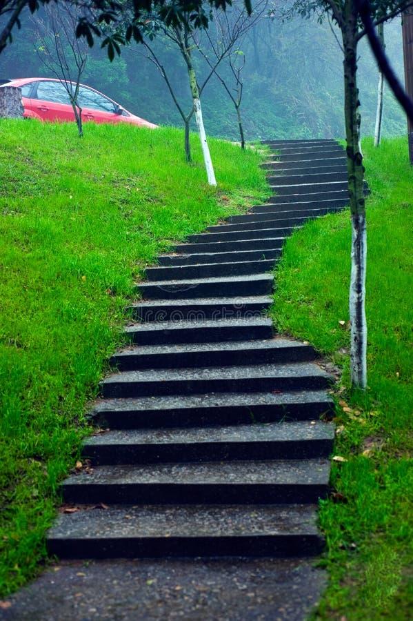 Escalera japonesa del jardín imagenes de archivo