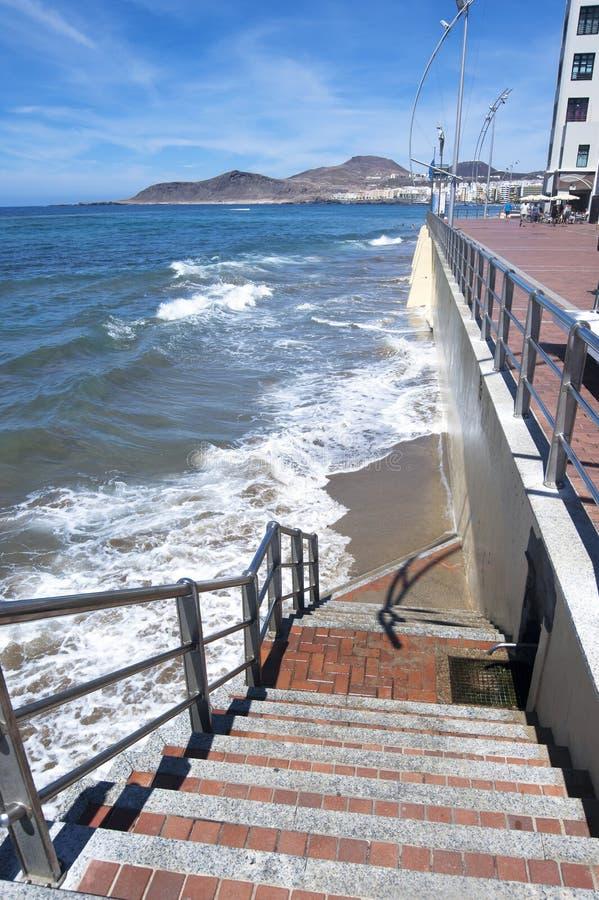 Escalera a la playa foto de archivo