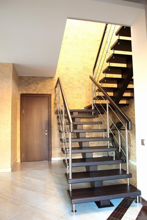 Escalera moderna foto de archivo imagen de cromo upward - Barandillas escaleras modernas ...