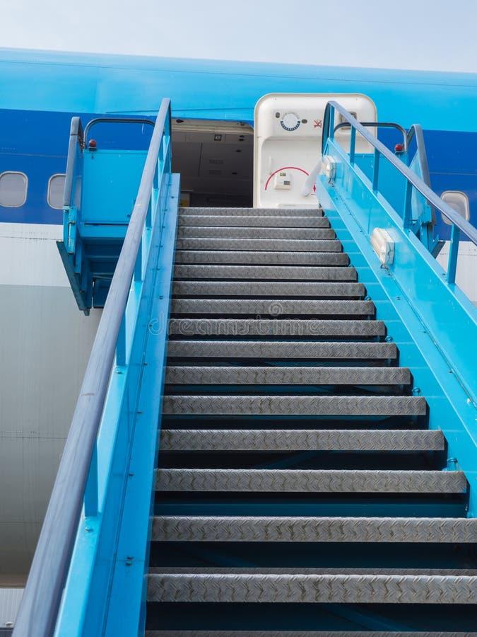 Escalera para incorporar el avión fotos de archivo libres de regalías