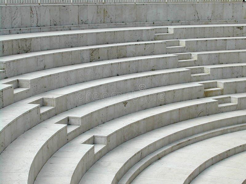 Escalera y barandilla externas foto de archivo libre de regalías