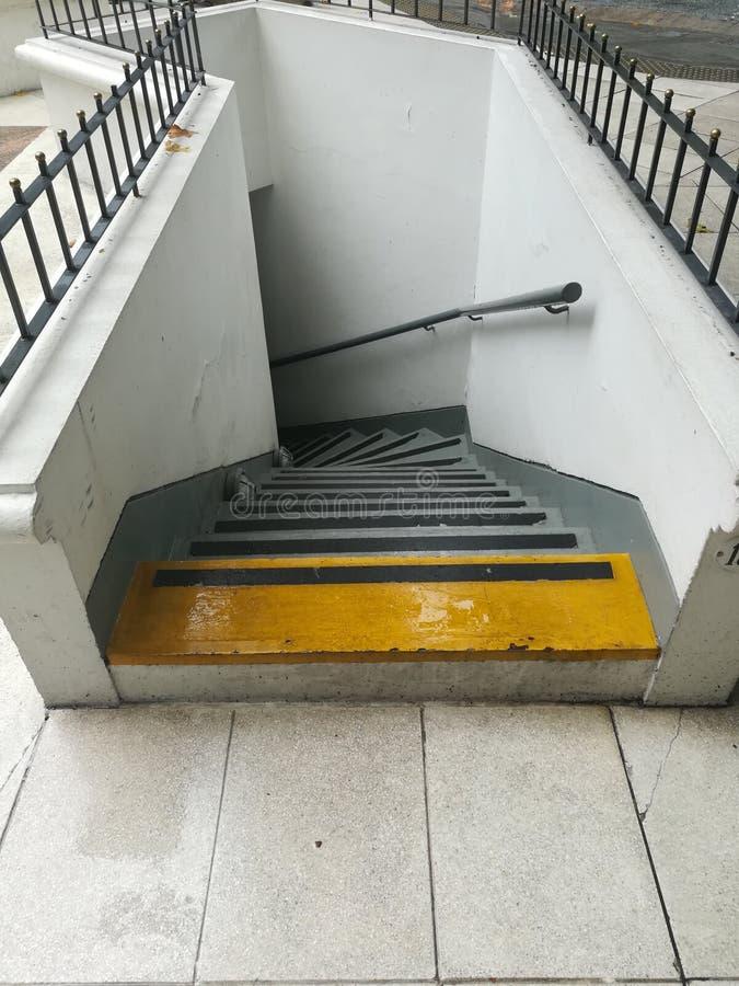 Escaleras curvadas foto de archivo