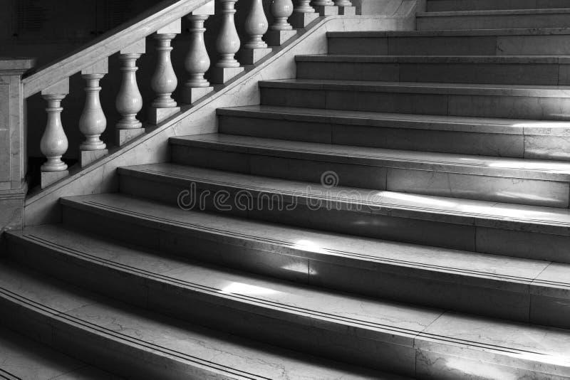 Escaleras de interior imágenes de archivo libres de regalías
