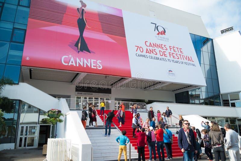 Escaleras de la alfombra roja en Cannes fotos de archivo libres de regalías