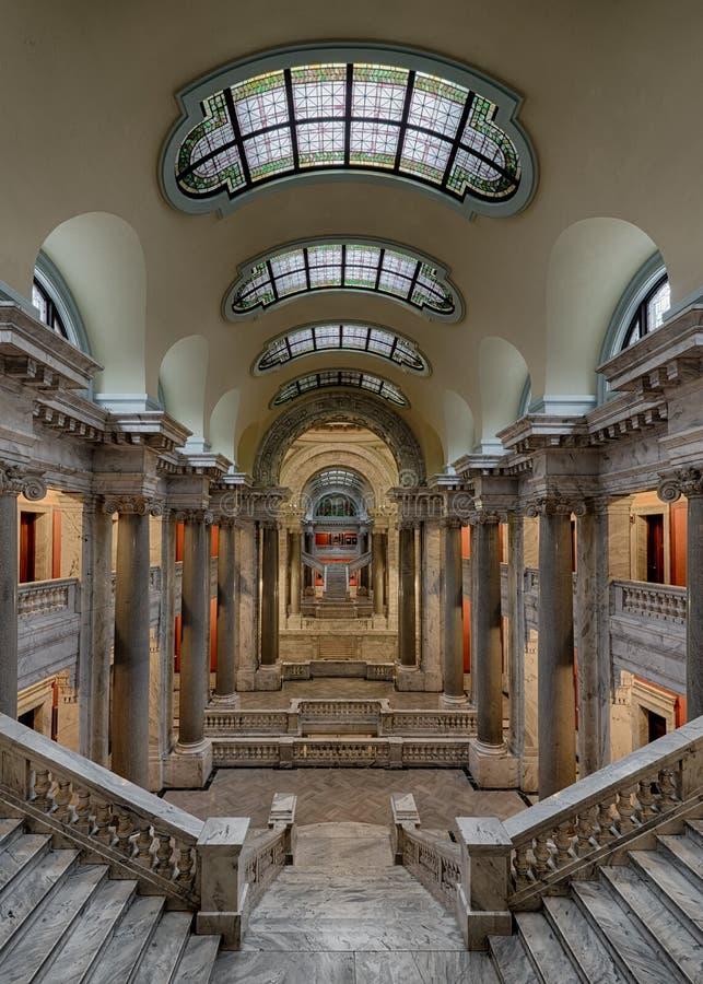Escaleras de mármol imágenes de archivo libres de regalías