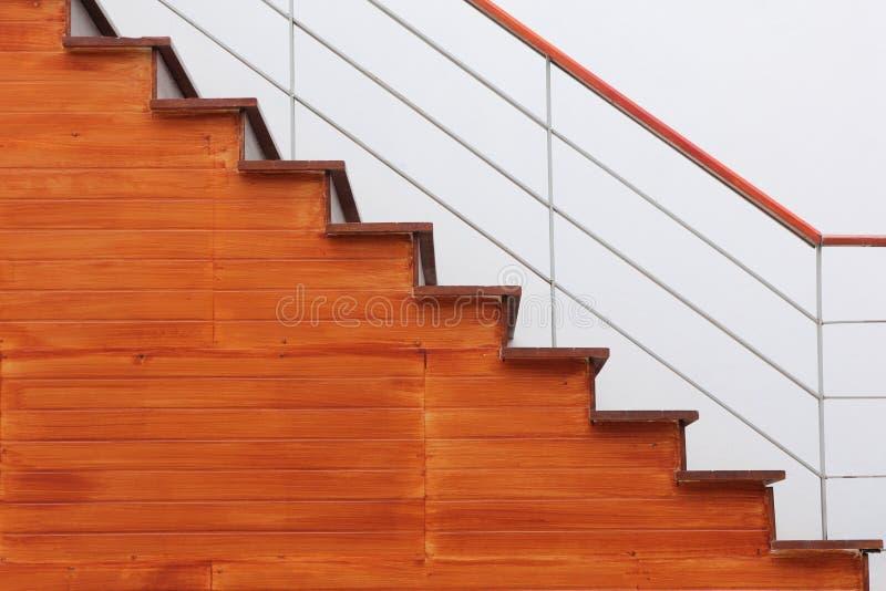 Escaleras de madera imagenes de archivo