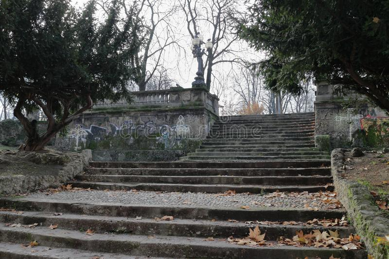 Escaleras de piedra viejas imagen de archivo